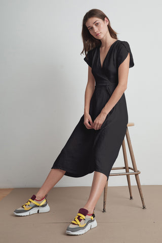 POSIE WOVEN LINEN WRAP DRESS IN BLACK
