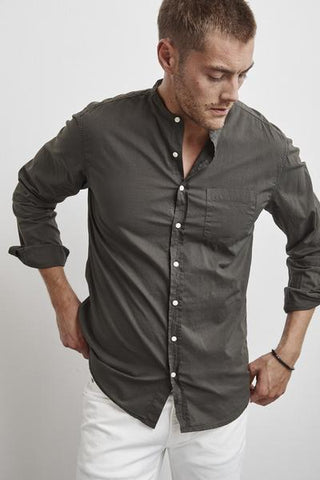 HEATH COLLARLESS WOVEN COTTON SHIRT IN NETTLE