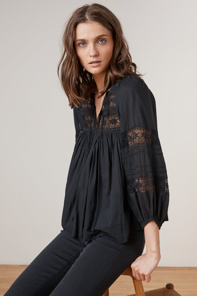 EVIE COTTON LACE PEASANT TOP IN BLACK