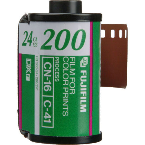 FUJIFILM Fujicolor 200 Color Negative Film (35mm Roll Film, 24 Exposures)