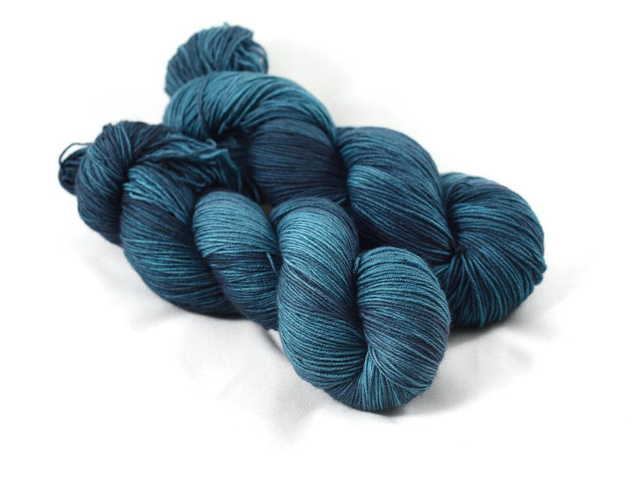 Destination Yarn fingering weight yarn Arabian Sea