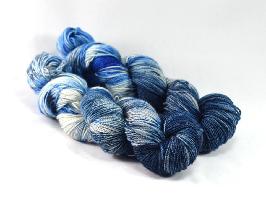 Destination Yarn Knitting Kit WHAT THE FADE KIT- Blues and Greens