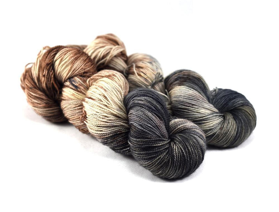Destination Yarn Worsted Weight Yarn Cobblestone Square - Suitcase