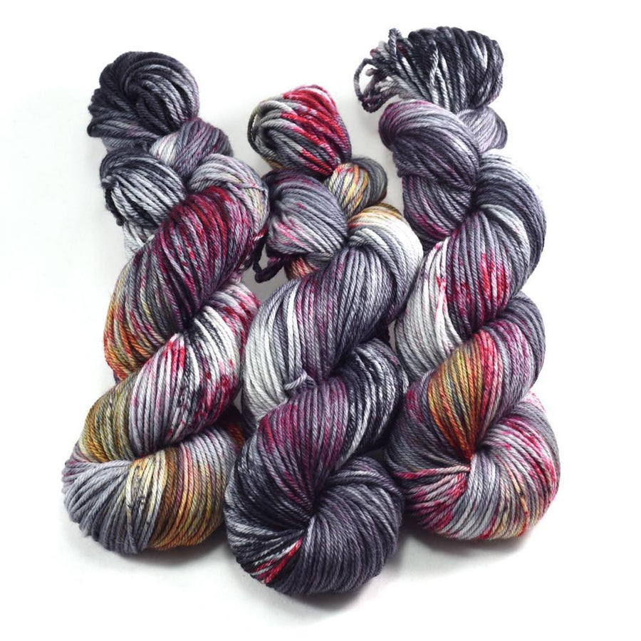 Destination Yarn Worsted Weight Yarn DRAGONSTONE - Suitcase