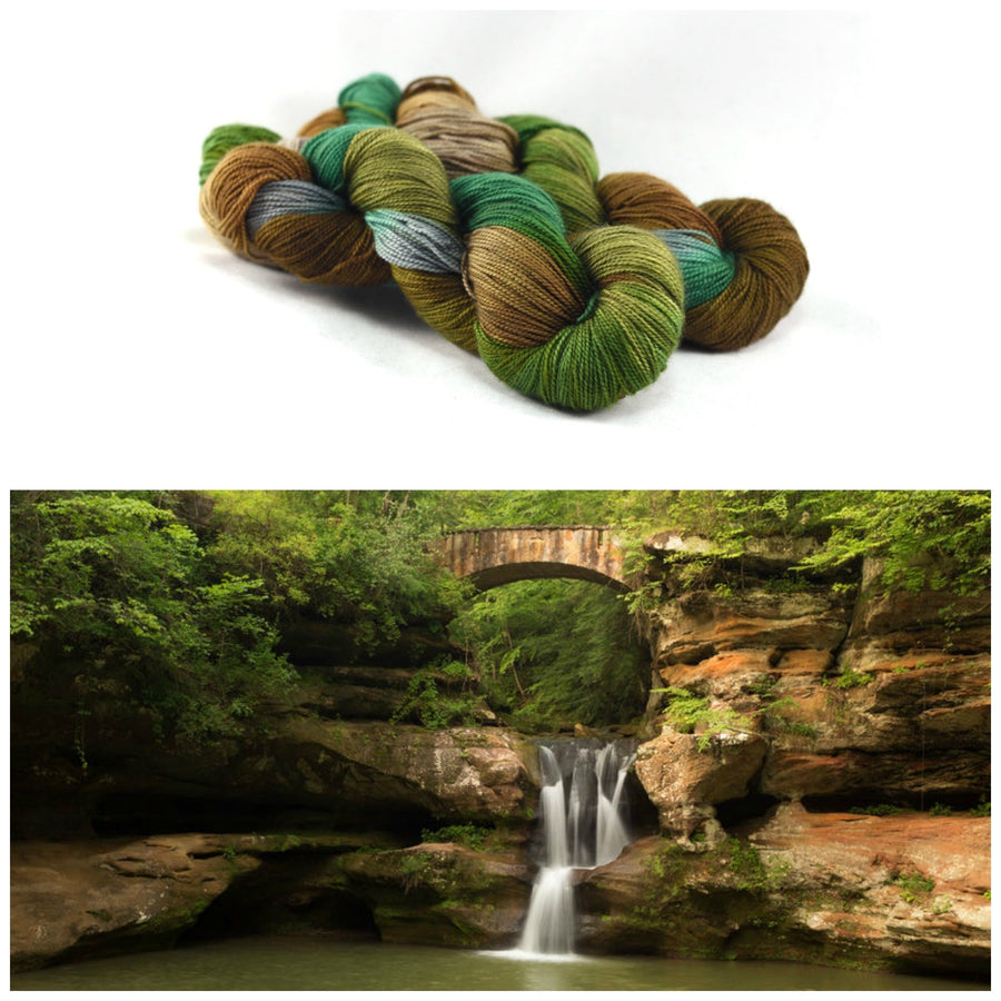 Destination Yarn Worsted Weight Yarn HOCKING HILLS - Suitcase