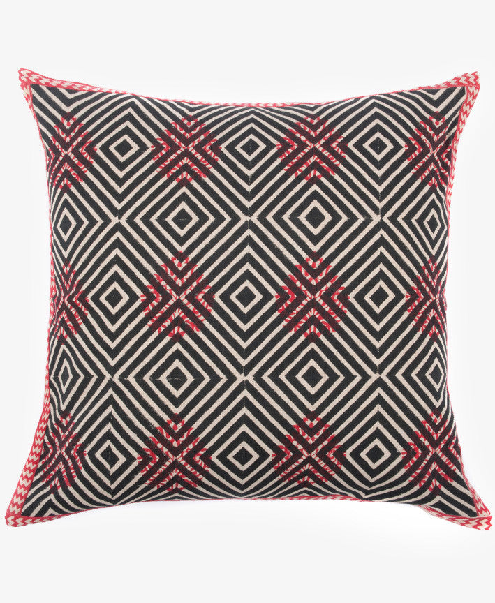 DIAMOND POP PILLOW