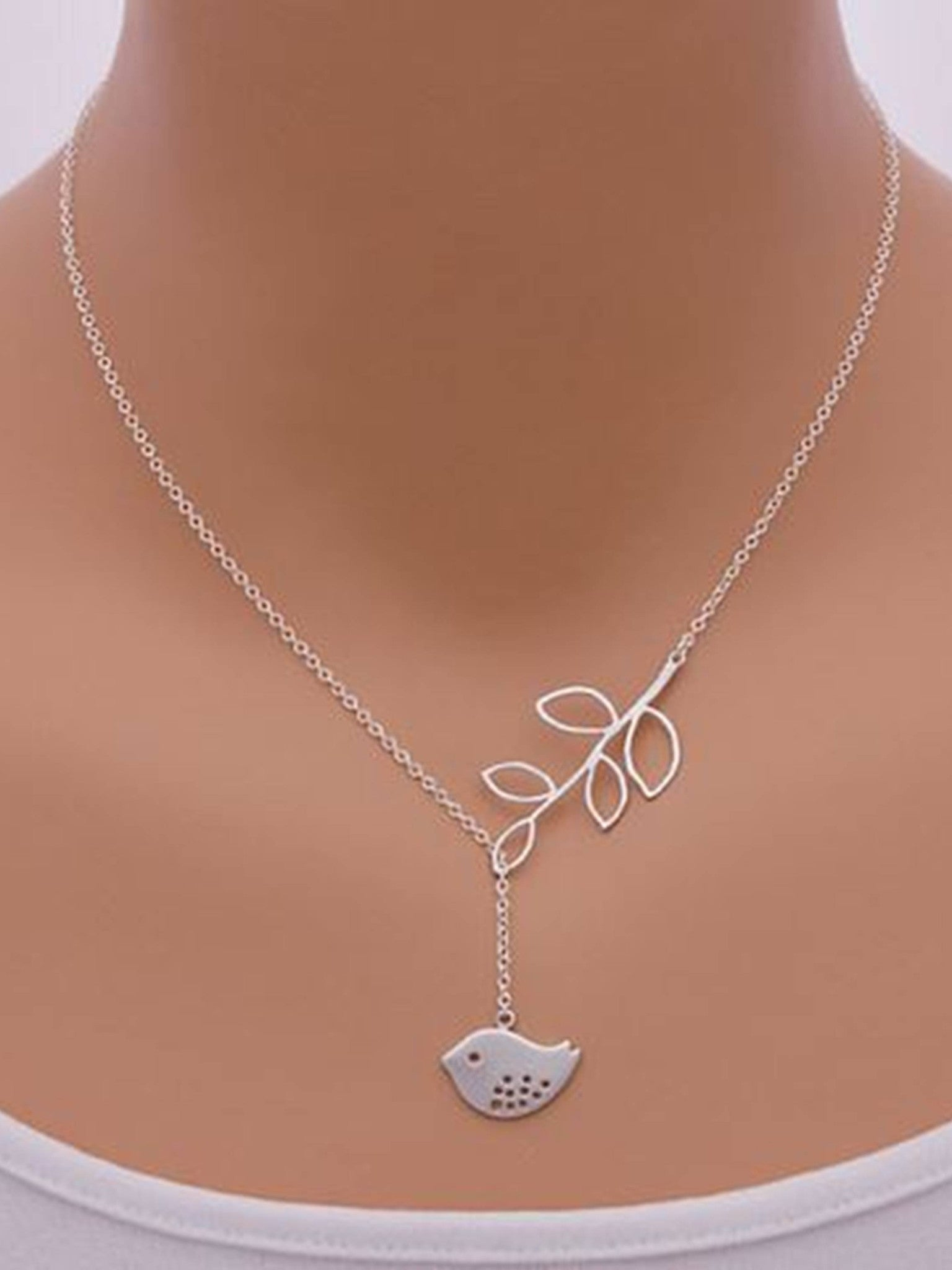 """Bedao Boutique's little birds necklace - Jewelry"""