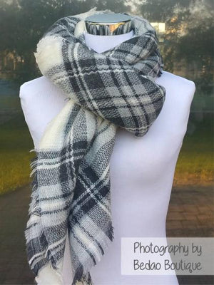 Blanket Scarf Plaid (Icy Gray, White, Black)