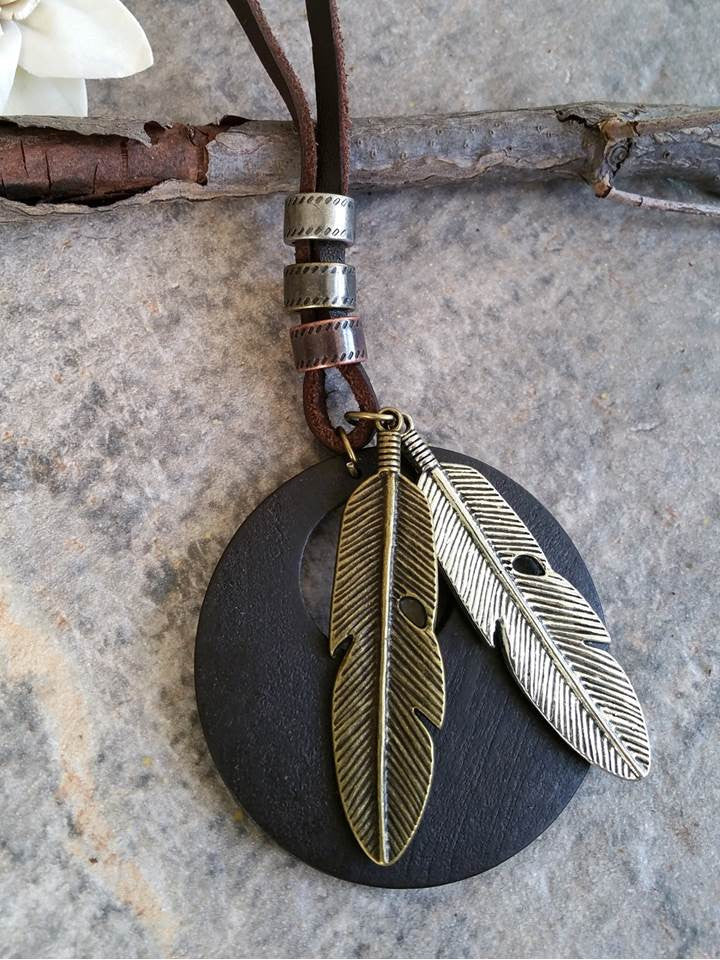 Wooden Feathers Necklace (Brown)
