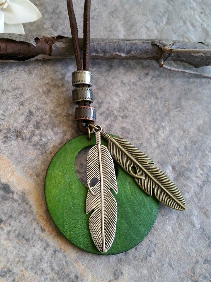 Wooden Feathers Necklace (Lime Green)