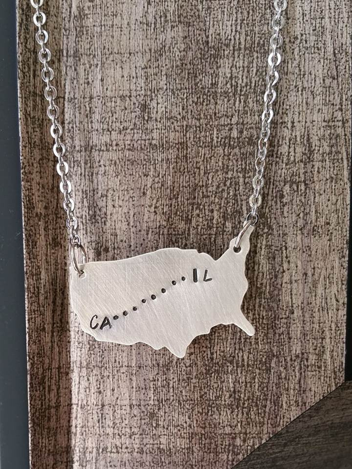 Personalized us map journey pendant necklace