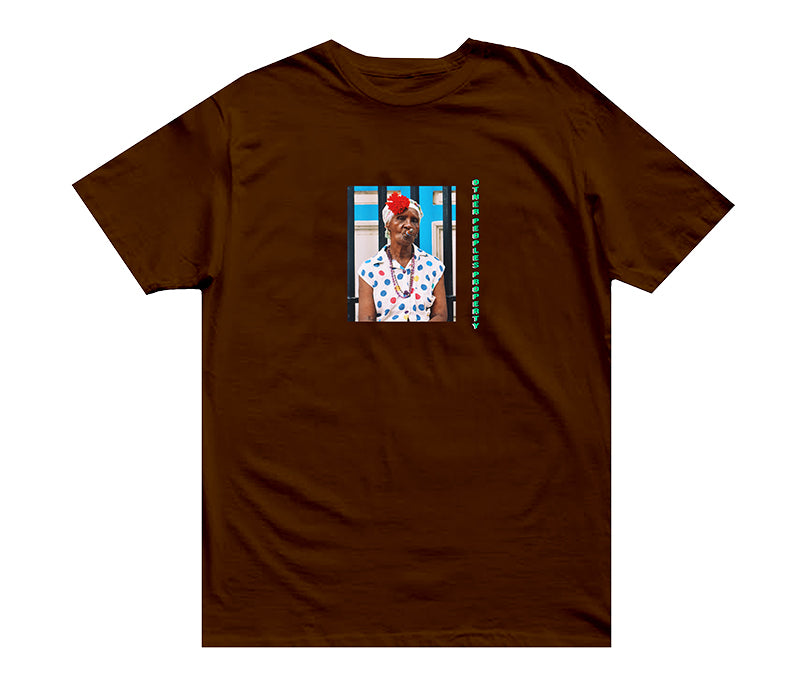 OPP : La Doña [tee] in CIGAR BROWN