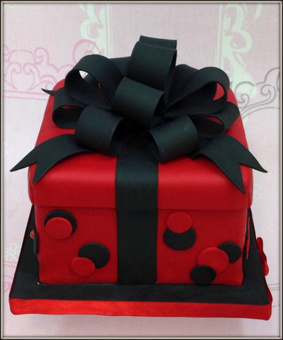 PRESENT BOX cake - I Love Cake Decorating