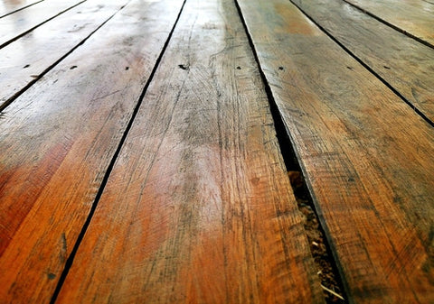 hardwood floor with oily wax