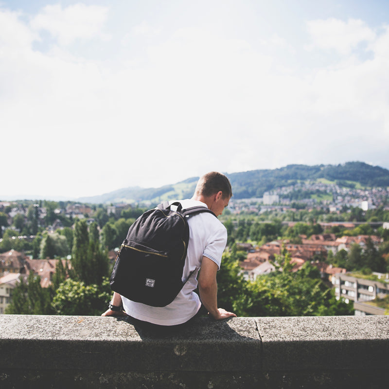 Traveling on a Student Budget: 10 Ways to Save