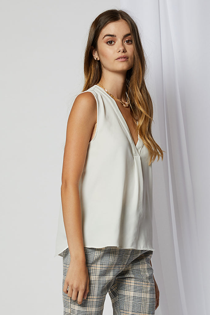 Cassia V-Neck Pleat Blouse