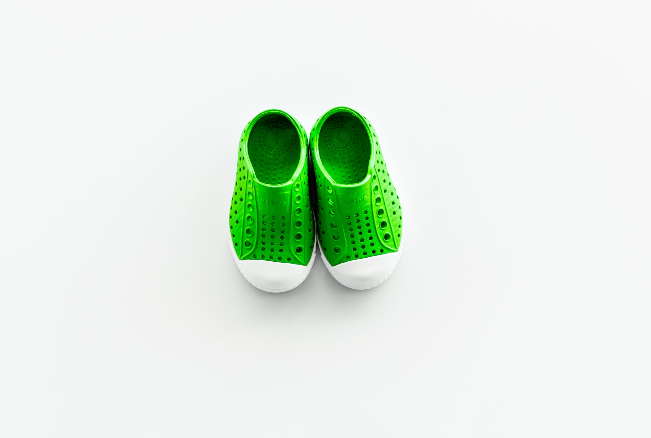 "Native ""Jefferson"" K - Grasshopper Green / Shell White"