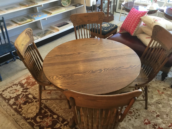Antique Dinning table plus 4 x chairs solid oak