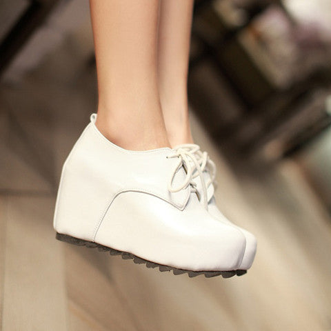 DROPKICKS STOCK ITEM: Preppy Women&#039s Wedge Shoes With Solid Color and Lace-Up Design