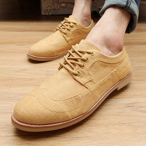 British Style Men&#039s Canvas Shoes With Solid Color and Lace-Up Design