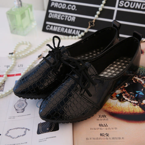 2015 Fashion new pointed-toe serpentine high quality vintage lace-up shoes women flats and women's spring summer autumn shoes