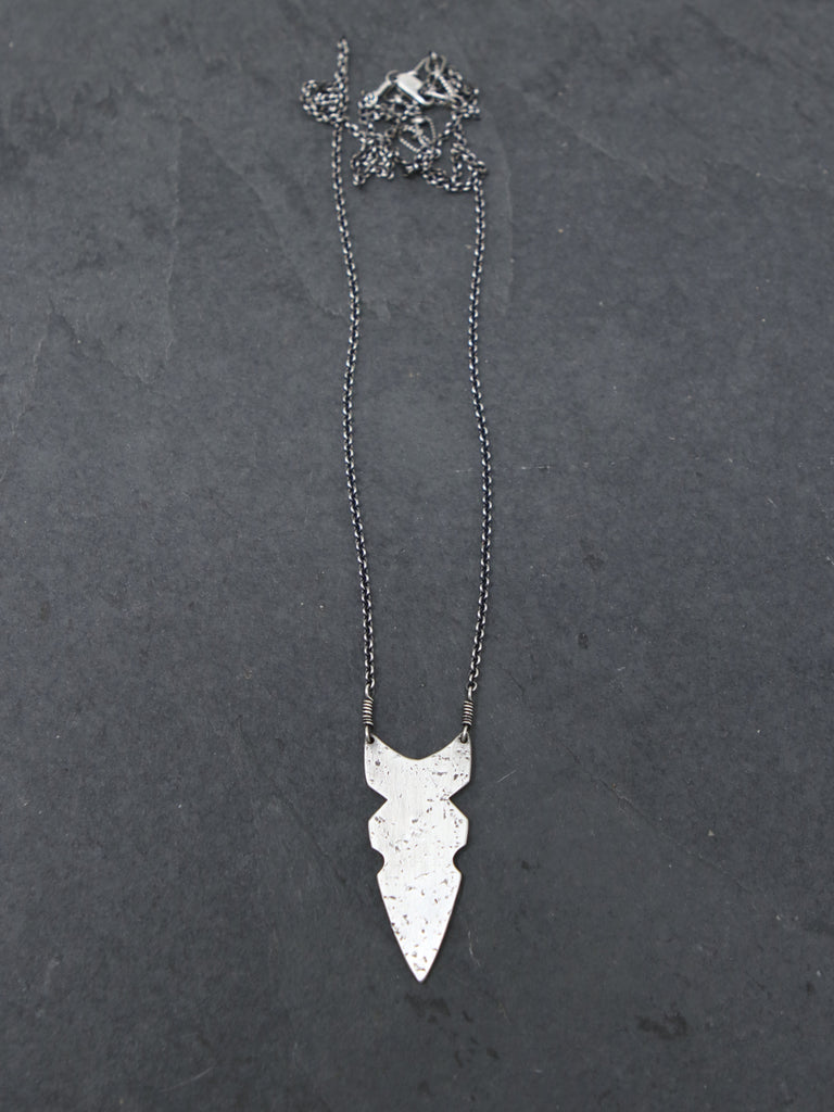 Nomadi Dagger Necklace