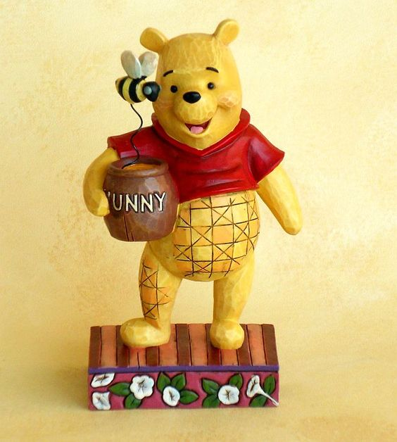 Pooh Bear - Silly Old Bear / Disney Traditions
