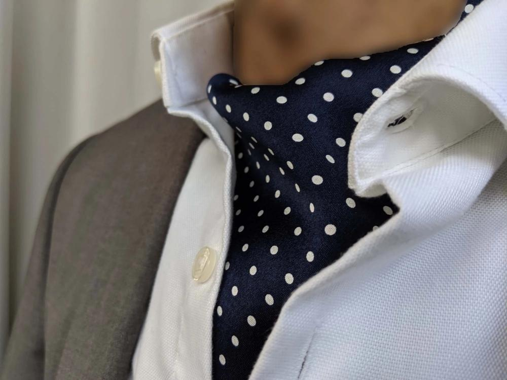 ascot tie for sale blue dots