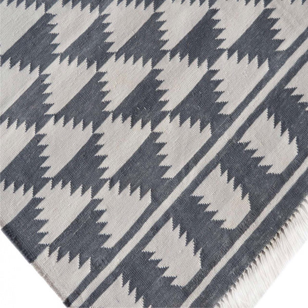 Black White Diamond Pattern Rug With Tassels Humble Home Gifts