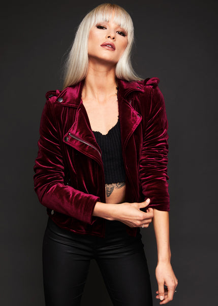 You Could Be Mine Damen Moto Jacke aus weinrotem Samt