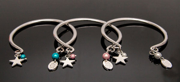 Star Bangle - Shiny bracelet with a Funky Glow
