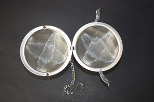 hinged stainless steel tea ball