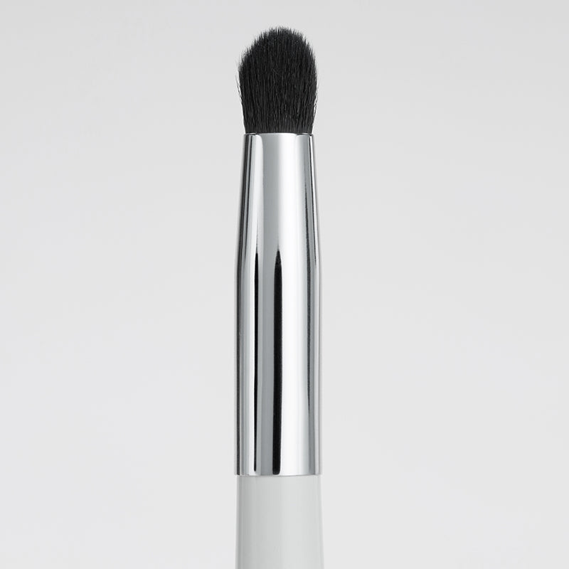 spot correcting end of concealer brush
