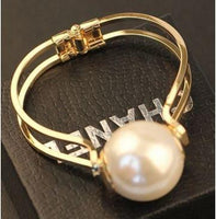 Large Exaggerated Pearl Bracelet