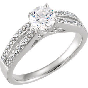 651670:100:P - Engagement Ring