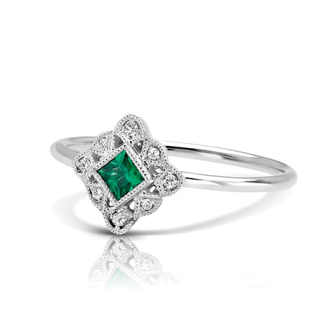 S1DR128-EM - 14K W EMERALD & DIAMOND FASHION RING;DIAMOND=1/20 CTTW;EMERALD=1/6 CTTW