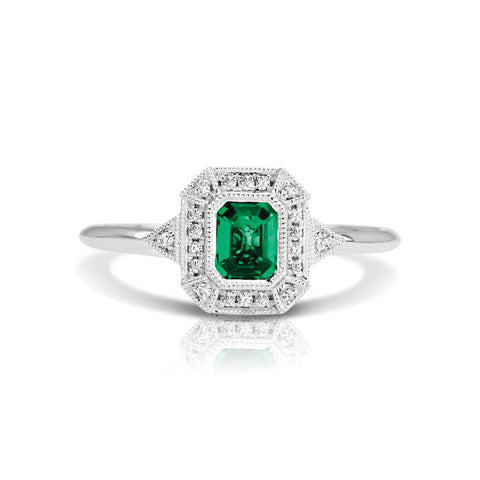 S1DR135-EM - 14K W EMERALD & DIAMOND FASHION RING;DIAMOND=1/20 CTTW;EMERALD=1/2 CTTW