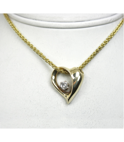 LEPD016 - 14kt Yellow Gold Diamond Pendant