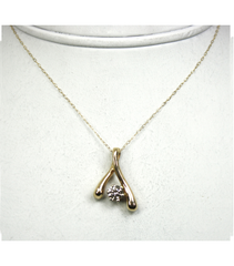 LEPD028 - 14kt Yellow Gold Diamond Pendant