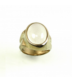 LECS012 - 14kt Yellow Gold Moonstone Cabochon Ring