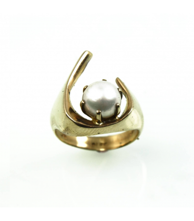 LECS018 - 14kt Yellow Gold Cultured Pearl Ring