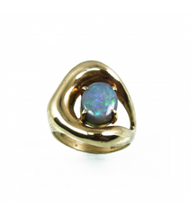 LECS030 - 14kt Yellow Gold Black Opal Cabochon Ring