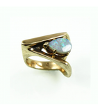 LECS032 - 14kt Yellow Gold Black Opal Cabochon Ring
