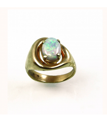 LECS040 - 14kt Yellow Gold Opal Cabochon Ring