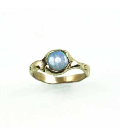 LECS050 - 14kt Yellow Gold Opal Cabochon Ring