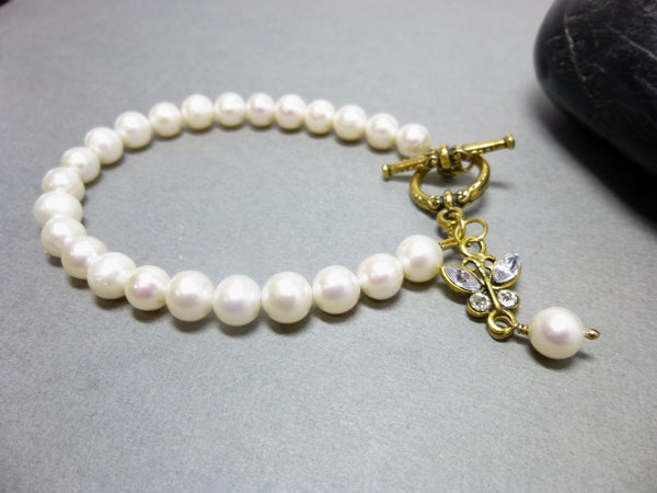 Single Strand Freshwater Pearl Bracelet with Gold Plated Dangle and Clasp, Chakra Jewelry - Earth Energy Gemstones