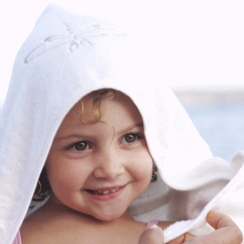 Large hooded towel for toddler. Extra absorbent. White color with grey embroidery. For sensitive skin, hypoallergenic. Ecofriendly, vegan, organic.