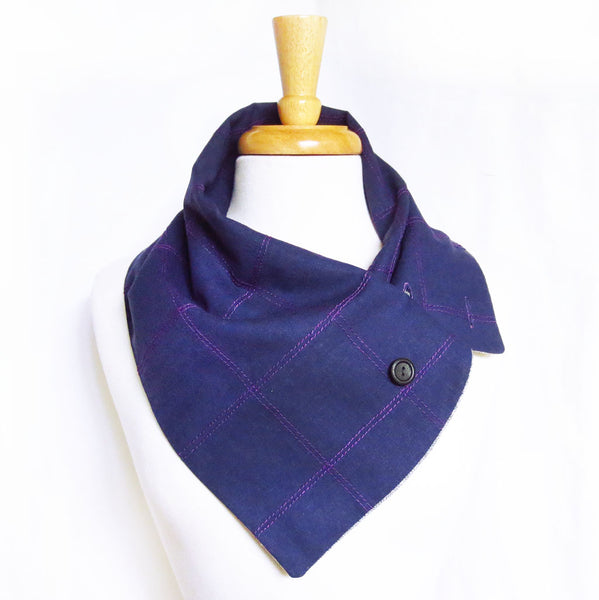 the anjelica scarf with the lining folded inwards