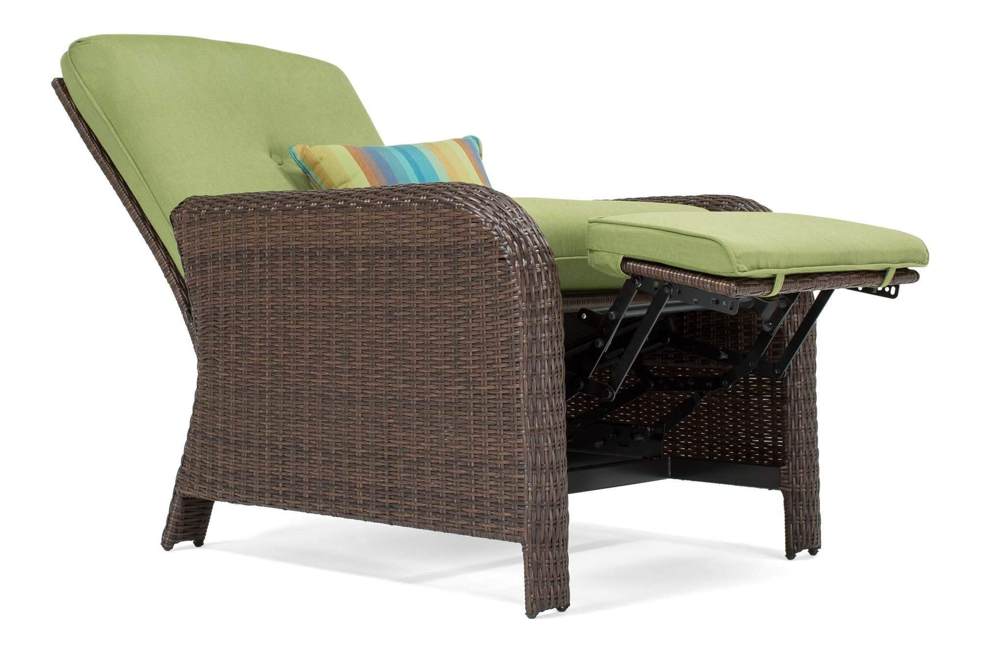 Wonderful Sawyer Patio Recliner Set: Includes 2 Recliners And Side Table (Cilantro  Green)