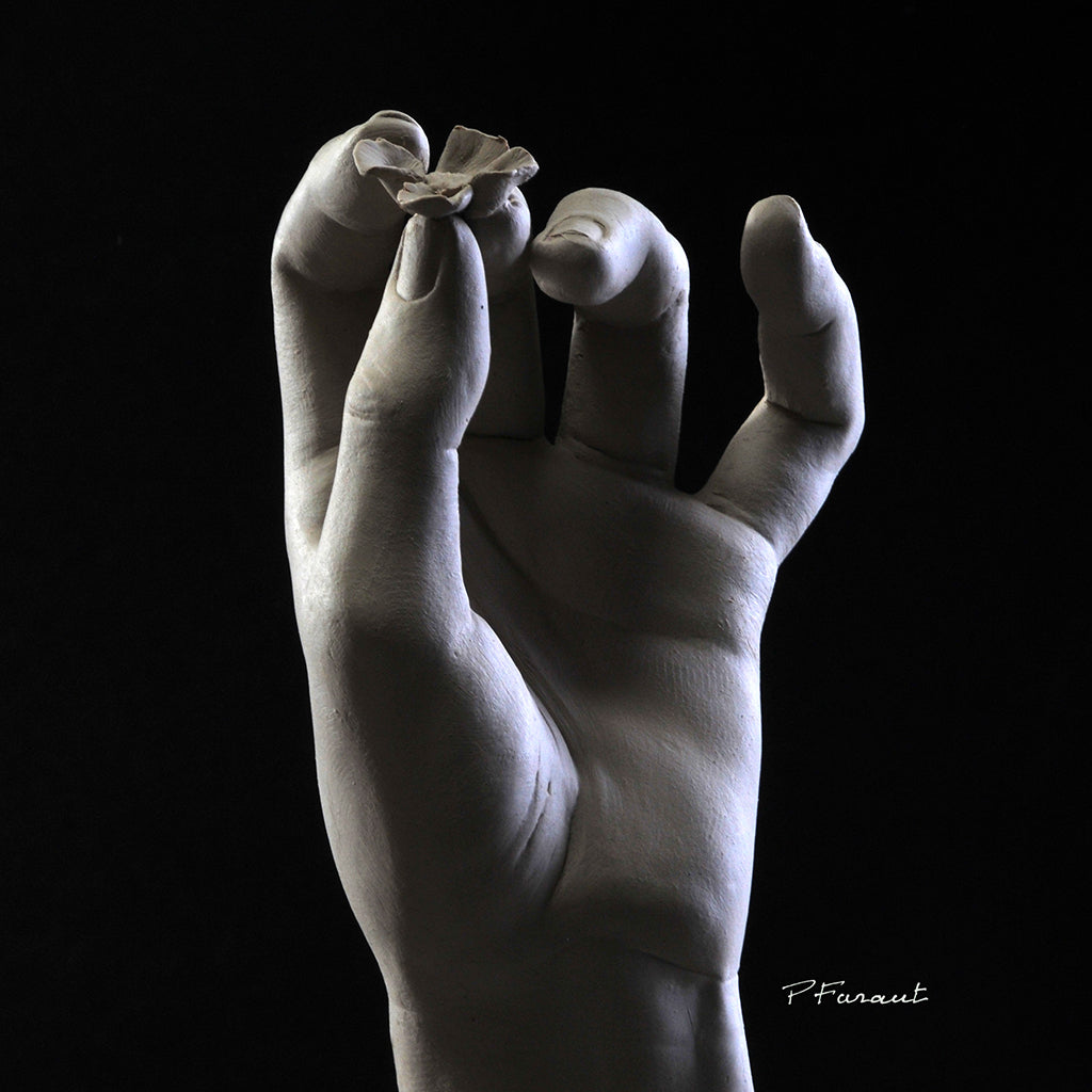 how to videos sculpting a hand in clay by Philippe Faraut